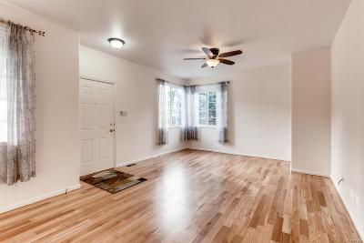 Hunters Glen Condo/Townhouse Active: 12921 Lafayette Street #D