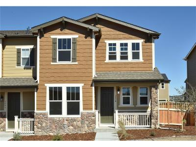 Castle Rock CO Condo/Townhouse Active: $424,019