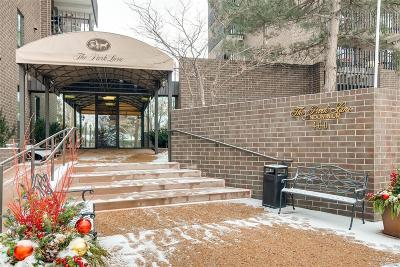 Condo/Townhouse Active: 460 South Marion Parkway #1602