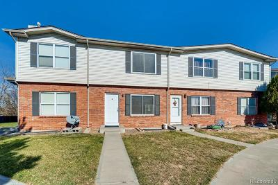 Aurora CO Condo/Townhouse Active: $230,000