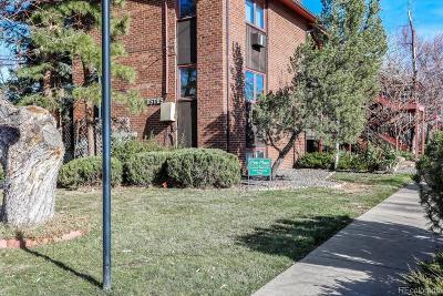 Lakewood Condo/Townhouse Active: 1370 Estes Street #305