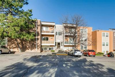 Golden Condo/Townhouse Active: 451 Golden Circle #102