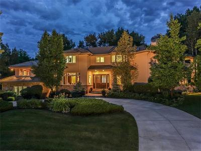 Centennial, Cherry Hills Village, Englewood, Greenwood Village, Littleton, Highlands Ranch, Castle Pines, Castle Pines N, Lone Tree Single Family Home Active: 5406 South Cottonwood Court