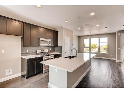 Castle Rock CO Condo/Townhouse Active: $348,411