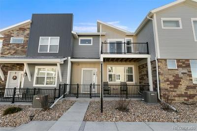 Longmont CO Condo/Townhouse Active: $505,000