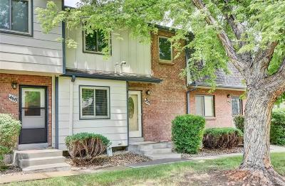 Lakewood CO Condo/Townhouse Active: $315,000