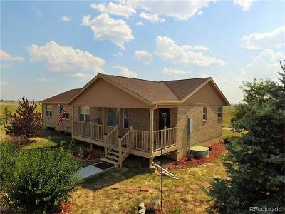 Arapahoe County Single Family Home Active: 56263 East Briarwood Place