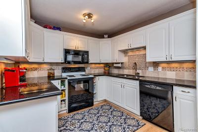 Denver Condo/Townhouse Active: 690 South Alton Way #9A