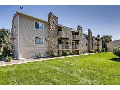 Lakewood CO Condo/Townhouse Active: $177,000
