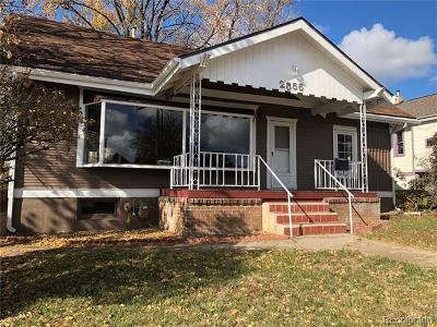 Jefferson County Single Family Home Active: 2555 Sheridan Boulevard