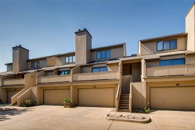 Boulder Condo/Townhouse Active: 2962 Kalmia Avenue #32