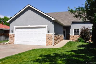 Lakewood CO Condo/Townhouse Active: $425,000