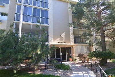 Aurora CO Condo/Townhouse Active: $209,900