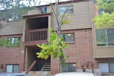 Lakewood Condo/Townhouse Active: 318 Wright Street #202