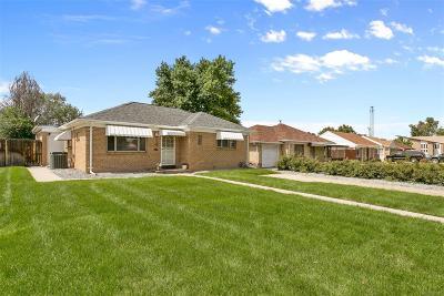 Denver CO Single Family Home Active: $459,900