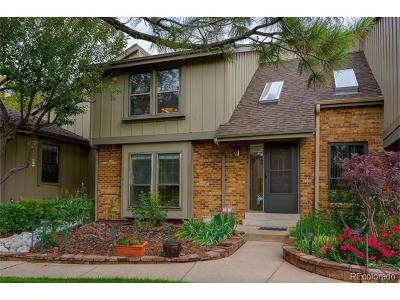Centennial CO Condo/Townhouse Active: $429,900