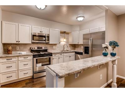 Arapahoe County Condo/Townhouse Active: 13618 East Bethany Place #303