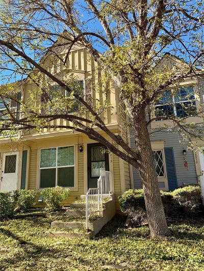 Lakewood CO Condo/Townhouse Active: $269,000