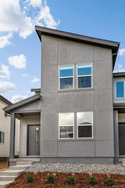 Denver Condo/Townhouse Active: 16049 East Elk Drive