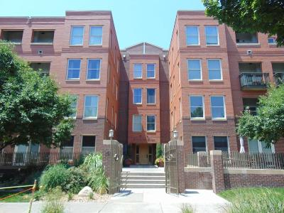 Condo/Townhouse Active: 1631 North Emerson Street #113