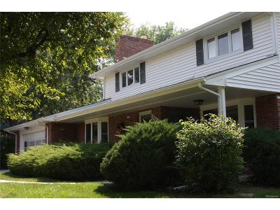 Lakewood Single Family Home Under Contract: 2769 Simms Street