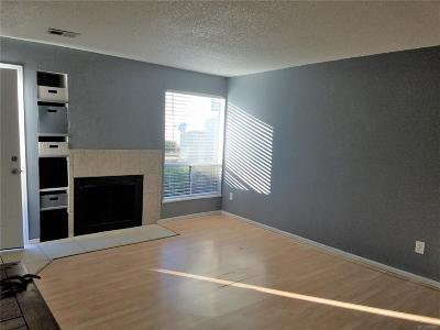 Lakewood CO Condo/Townhouse Active: $229,900