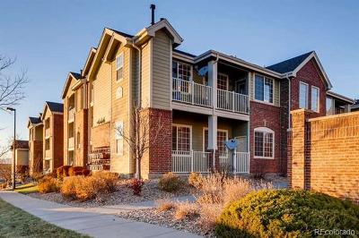 Aurora CO Condo/Townhouse Active: $227,900