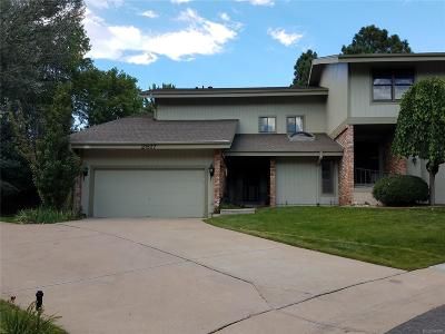 Lakewood CO Condo/Townhouse Active: $315,900