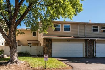 Aurora CO Condo/Townhouse Active: $339,900