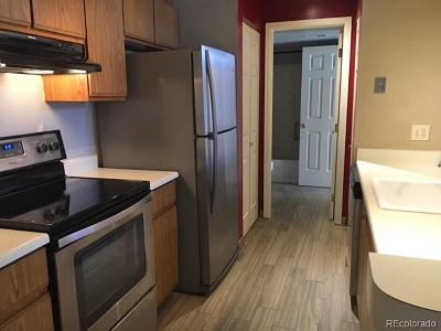 Denver CO Condo/Townhouse Active: $195,000
