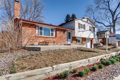 Littleton Single Family Home Active: 9375 West Maplewood Place