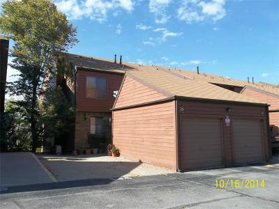 Lakewood CO Condo/Townhouse Sold: $212,000
