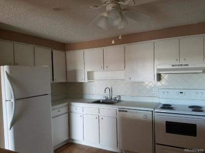 Denver CO Condo/Townhouse Active: $123,000