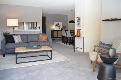 Denver CO Condo/Townhouse Active: $294,900