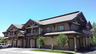 Condo/Townhouse Active: 3345 Columbine Drive #8028