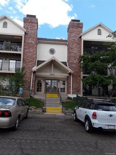 Aurora CO Condo/Townhouse Active: $172,500