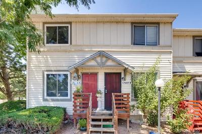 Aurora CO Condo/Townhouse Active: $239,999