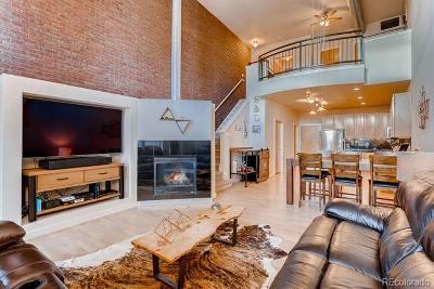 Denver CO Condo/Townhouse Active: $425,000