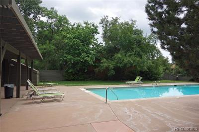 Boulder CO Condo/Townhouse Active: $399,900