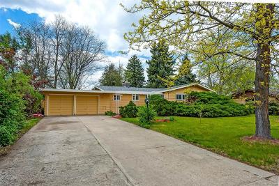 Lakewood Single Family Home Active: 375 Balsam Street