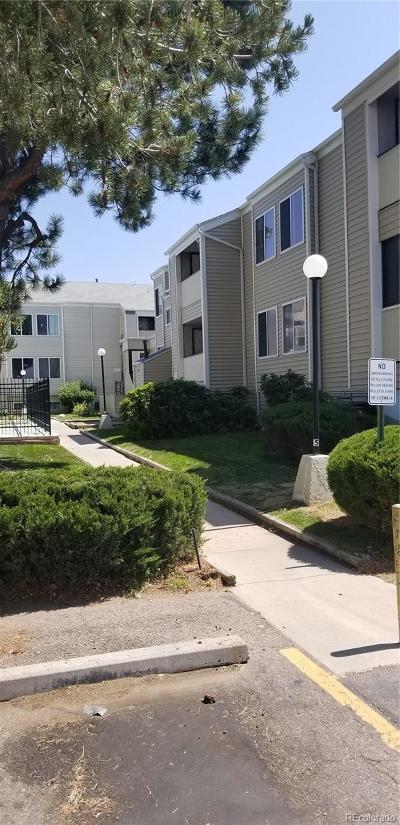 Aurora Condo/Townhouse Active: 10732 East Exposition Avenue #319
