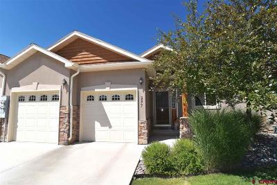 Montrose Condo/Townhouse For Sale: 257 Crossroads