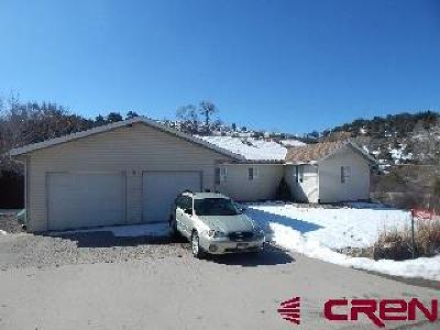 Single Family Home UC/Contingent/Call LB: 42814 Hidden Valley Drive