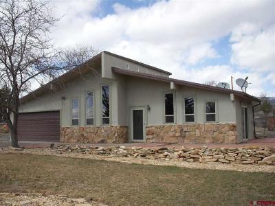 Single Family Home For Sale: 460 NE Elder Court