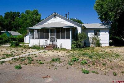 Olathe Single Family Home UC/Contingent/Call LB: 601 S Church Avenue