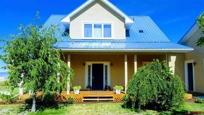 Single Family Home UC/Contingent/Call LB: 9347 1990 Lane