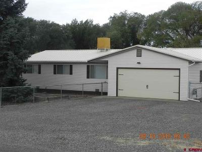 Eckert Single Family Home UC/Contingent/Call LB: 12365 E Spring Circle