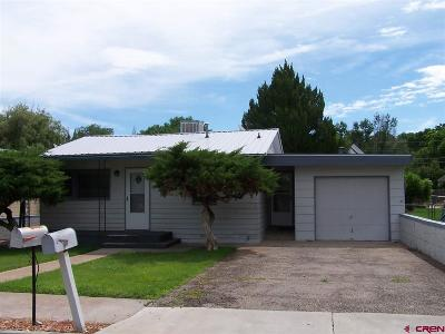 Delta Single Family Home UC/Contingent/Call LB: 1030 Howard Street #1030 1/2