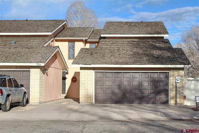 Condo/Townhouse For Sale: 2 River Drive