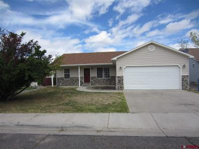 Montrose Single Family Home UC/Contingent/Call LB: 2721 Country Club Way